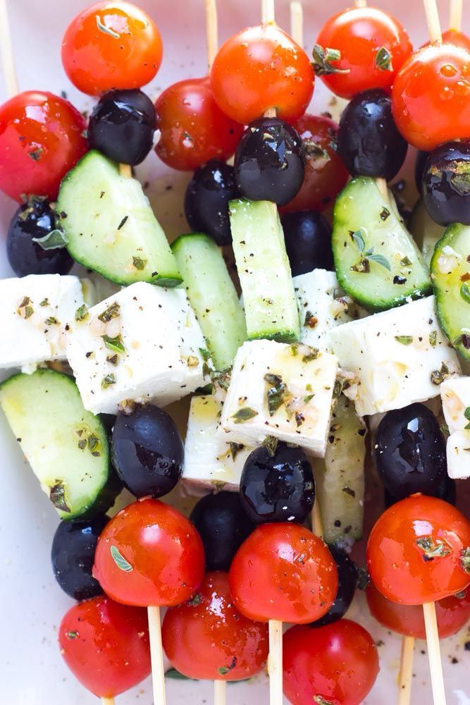 Griekse salade op een stokje