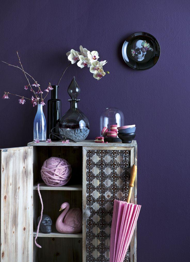 Dark + Pretty - styled by Kendyl Middelbeek & Juliette Wanty. Photography by Melanie Jenkins. Your Home & Garden November 2013.