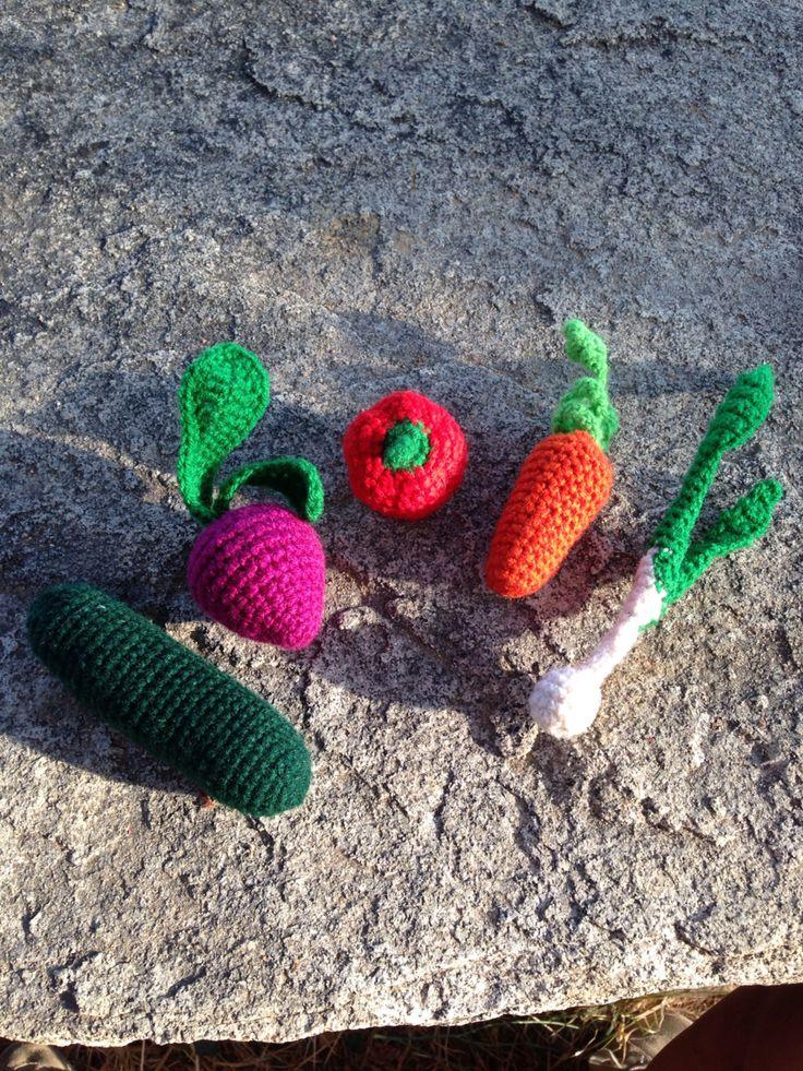 Tiny veggies freshly knitted #knittedtoys