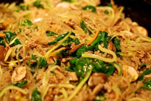 Stir Fried Kelp Noodles With Ground Beef, Broccoli Slaw, and Spinach ...