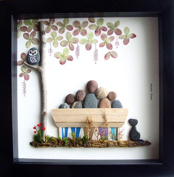 Custom Family Gift, Unique Gift For Family of Five and Dog, Christmas Gift- Family of 5- Unique Family Gift- Pebble People, Stone Art, Personalized Family Gift- Pebble Art by MedhaRode on www.etsy.com/shop/MedhaRode