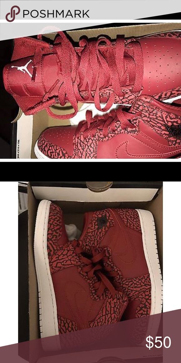 Retro Jordan 1s New retro Jordan 1s size 5 in kids (grade school) no trades Jordan Shoes Athletic Shoes