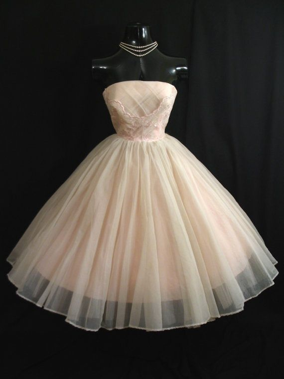 fomal dresses of the 1950's | Vintage 1950's Prom Dress | Doll Stuff