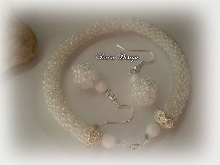 White Bride bead crochet set <3 Find my bead dreams on: https://www.facebook.com/IvicaDesign/