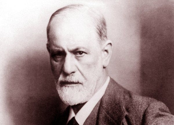 Famous refugees: Sigmund Freud (1856-1939). Austrian neurologist, known as the founding father of psychoanalysis.  Fled Austria for London when Hitler's army attacked.(Photo by: World History Archive/UIG via Getty images)