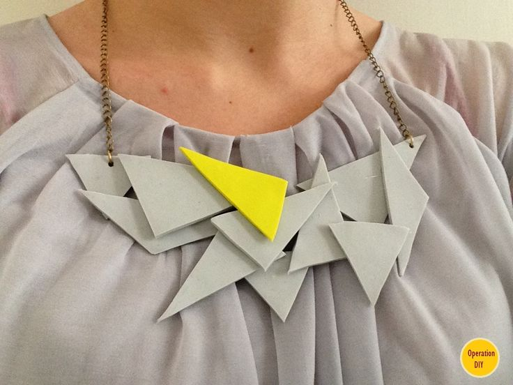 DIY Geometrical Statement Necklace from polymer clay - www.operation-diy.blogspot.com