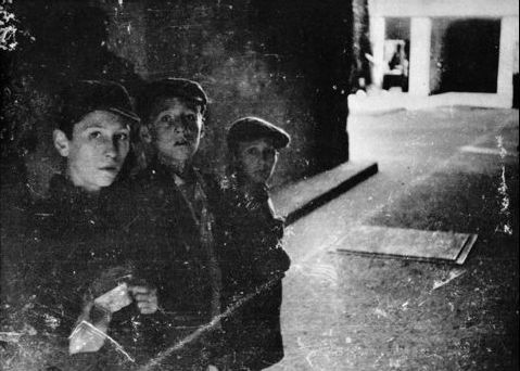 3 boys in the Warsaw Uprising