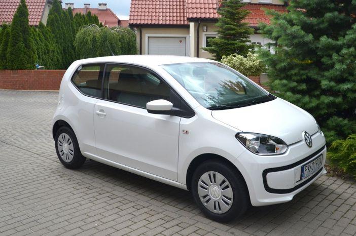 Nowy VW UP! to nowoczesny trzydrzwiowy samochód. Mimo że jest to najmniejsze auto produkowane przez Volkswagena, pozostaje niezwykle eleganckie i komfortowe.   Więcej o nowym VW UP na stronie: http://www.wypozyczalniagdansk.pl/flota-grupa-a-vw-up - Zapraszamy!
