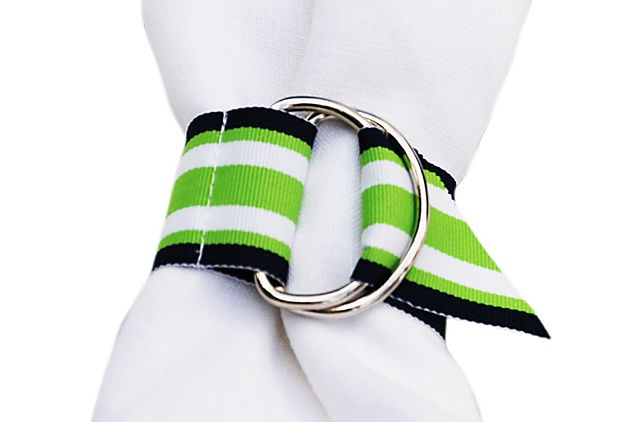 Adorable napkin rings -- such a cool idea for summer.