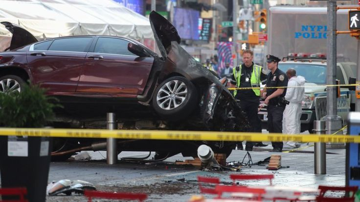 Красная Honda апокалипсиса: зачем Ричард Рохас задавил людей на Таймс-сквер https://riafan.ru/773583-krasnaya-honda-apokalipsisa-zachem-richard-rohas-zadavil-lyudei-na-taims-skver