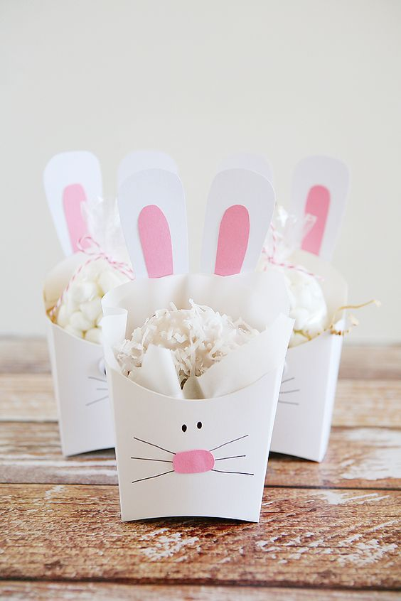 Cute Easter bunny treat boxes! Add any treat you want to these cute gift boxes.