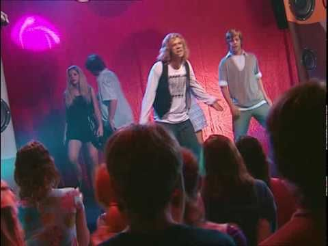 TeenAngels y los Man! quedan como finalistas de la Bestia Pop Lleca debe escribir una composición para la escuela, tema: mi familia. Extraña a Nico. Monito r...