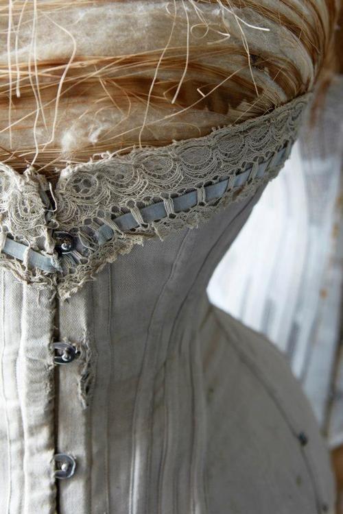 Color   цвет   カラー   Couleur   Colore   Soft   Doux   мягкий   Suave   Delicato   ソフト   Texture   Pattern   Contrast   Composition    Old corset