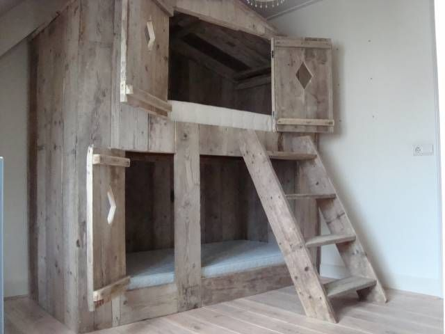 Stoer #kinderbed van steigerhout | Great children's bed #kidsroom by www.honderdprocentpuur.com