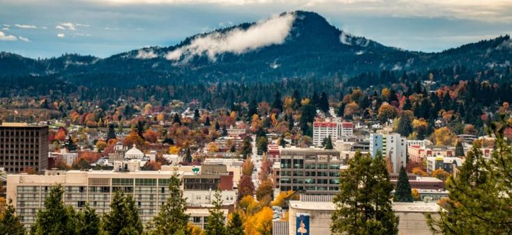 Downtown Eugene From Skinner Butte In Fall By Ben Schorzman City Of Eugene Eugene Oregon Oregon Hotels Best Places To Live