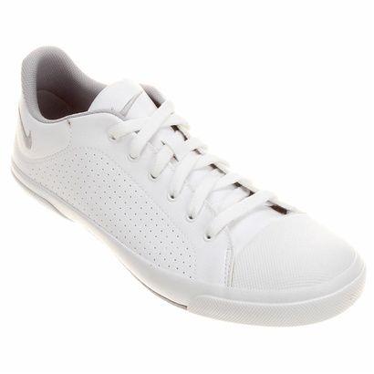 Clássico da marca, o Tênis Nike Biscuit 2 Sl Branco acompanha o seu estilo casual, além de garantir o conforto que você espera de um calçado para o dia a dia. O cabedal em couro confere visual premium.   Netshoes