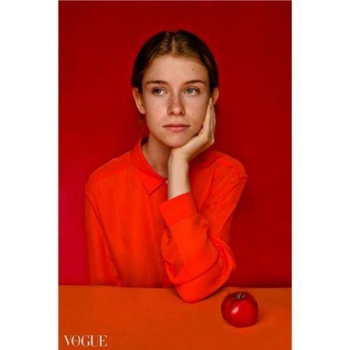 An apple model Lisa #apple #red #uniquemodel #fotografiawroclaw...  An apple model Lisa #apple #red #uniquemodel #fotografiawroclaw #styling http://ift.tt/2eZ6ei0