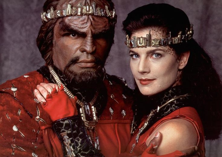 Star Trek: Deep Space Nine / Best wedding ever! // This was the wedding ceremony I wanted. I sobbed all through that wedding vow scene. We should have done it. I want to renew our vows,this way.