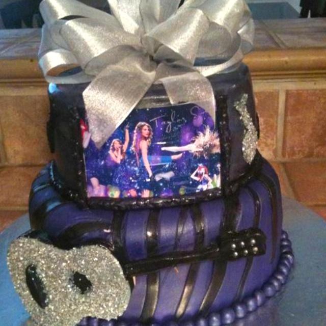 Taylor Swift birthday cake. I want this next year :) @Kim Ezell Owens