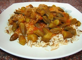 Bamieh: okra with tomato sauce and rice