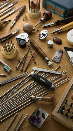 gli attrezzi del mestiere dell'arte orafa uniti alla manualità di esperti artigiani creano prodotti unici e meravigliosi #tatitotojewels
