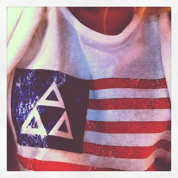 Loving this Tri Delta top