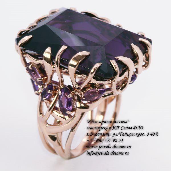 Женское золотое кольцо «Сердце энта» с аметистами