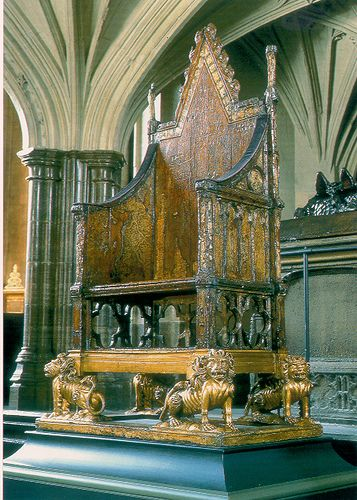 The Coronation Chair with the Stone of Scone | Coronation ... |Westminster Abbey Throne