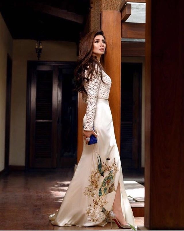 Mahira khan vision in white in #ShehlaChatoor uber glam #luxepret for #Divamagazine  have to admit no ones does luxury Pret better than @shehlachatoor
