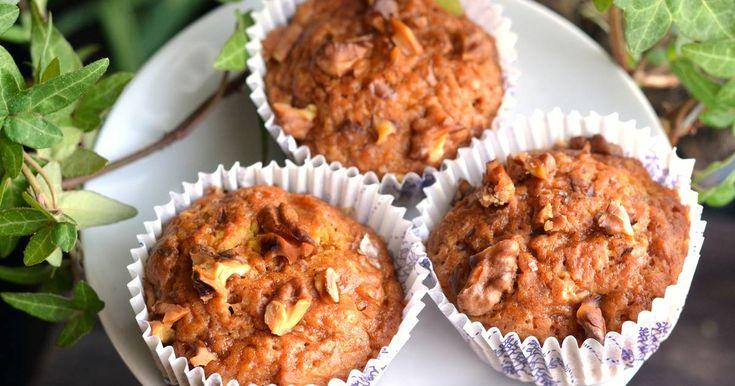 Mennyei Sütőtökös-diós vegán muffin recept! Tojás, és tejtermék nélkül is elkészítheted ezt a remek sütőtökös-diós vegán muffin receptet! ;)