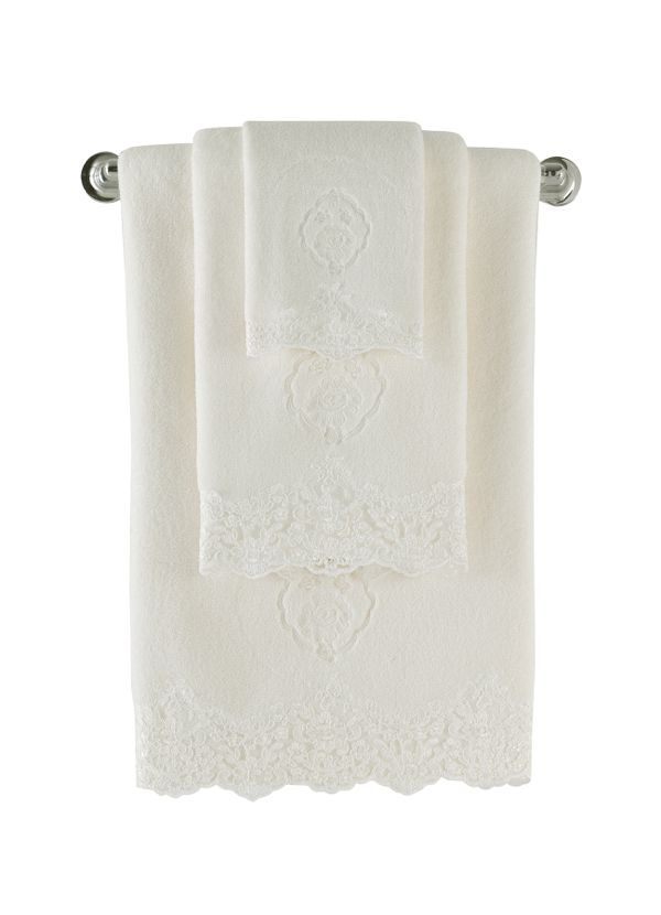 Set froté ručníků o rozměrech 32x50cm, 50x100 cm a 85x150 cm. Lze koupit v krásném dárkovém balení, nebo jednotlivě.
