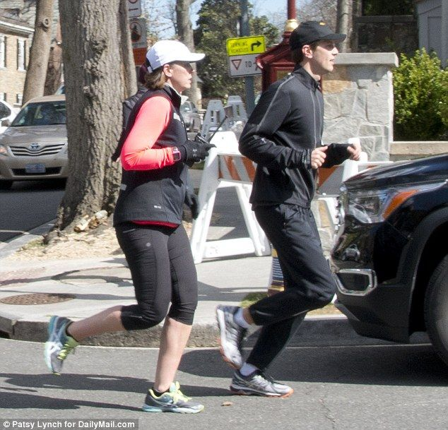 At one point during their run, a female secret service agent ran beside Kusnher with what appeared to be a radio in her hand