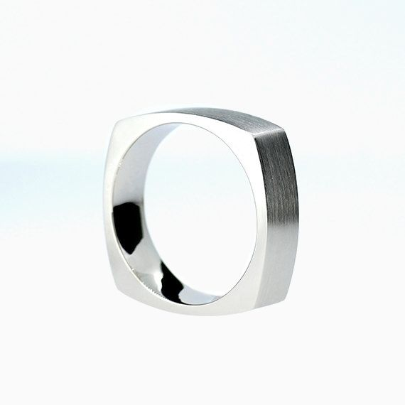Casilla Wedding Band in White Gold