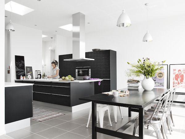 Keuken gebouwd in uitbouw met Velux lichtkoepel