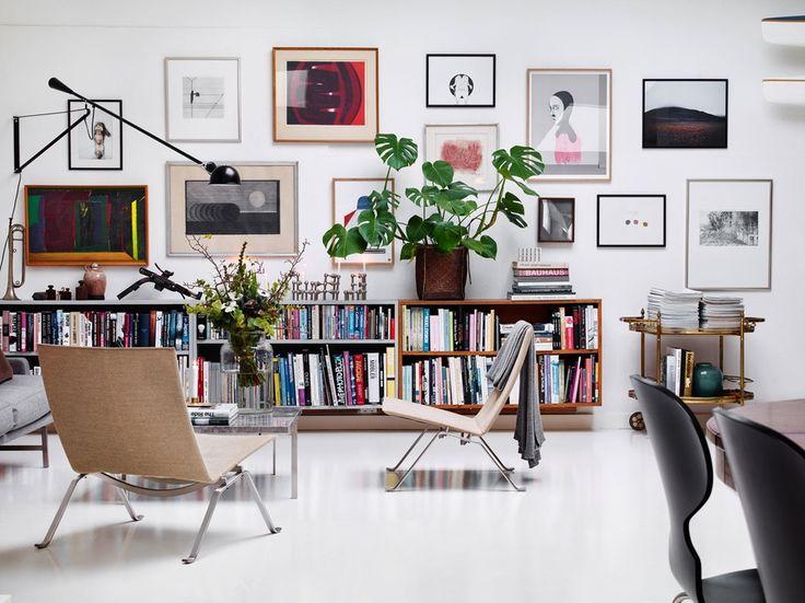Et gammelt fabrikklokale er blitt til en lys galleriaktig leilighet ved hjelp av moderne kunst, designikoner og hjemmelagde løsninger.