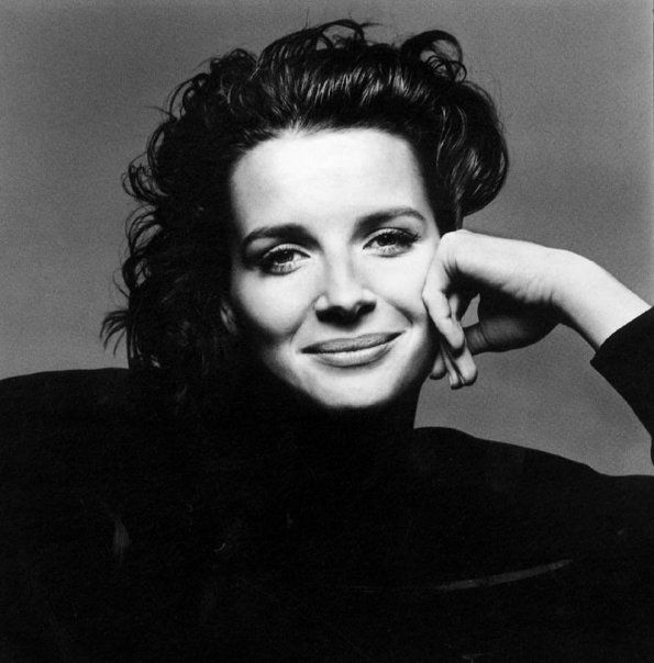 Juliette Binoche by Richard Avedon | Via Tumblr