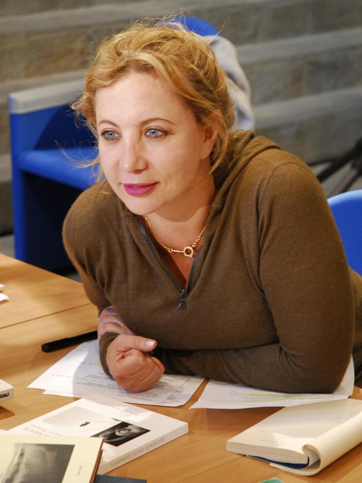 Iaia Forte    http://www.iaiaforte.it/pagine/wp-content/uploads/2007/10/iaia1.jpg