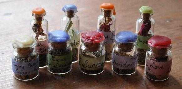 """Hechizos fáciles para todo propósito se pueden realizar con esta antigua técnica mágica de utilizar botellas para """"concentrar"""" lo que deseamos, ya sea aleja"""