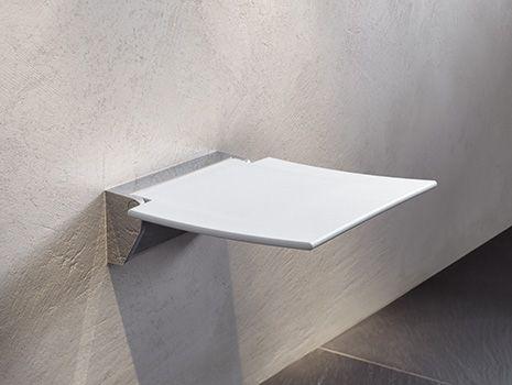 Duschsitze & Duschhocker   Hohe Belastbarkeit, komfortabel und sicher   HEWI