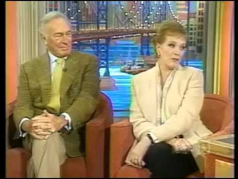 ▶ Julie Andrews & Christopher Plummer (Rosie O'donnell interview 2000/01/21) - YouTube --- These two are adorable!!!