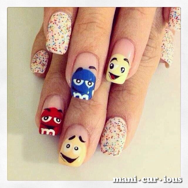 candy craze gone real! with mnms on your fingertips, you might just chew your them away! // branch: manicurious