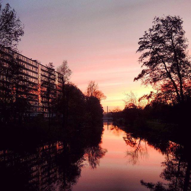 Best mooi, die #klopvaart in #overvechtnoord bij #zonsondergang... #Overvecht