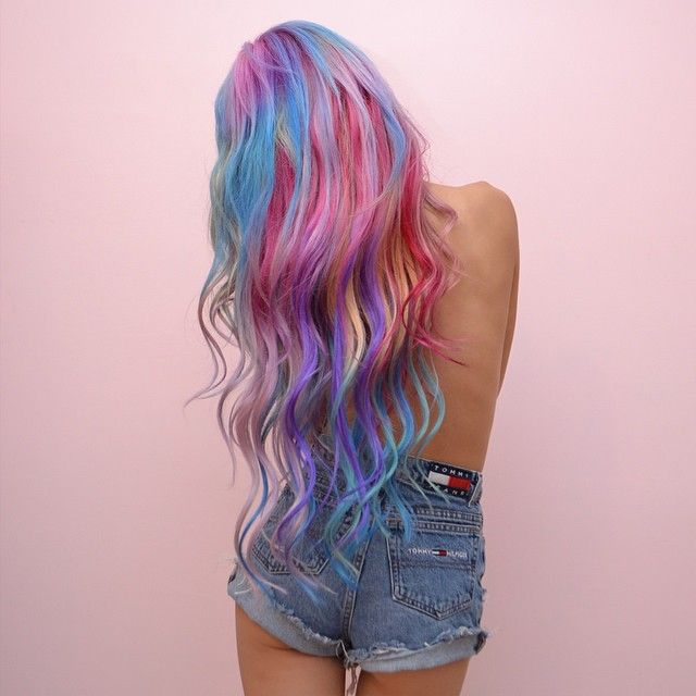 Amazing rainbow hair color~~ >w<