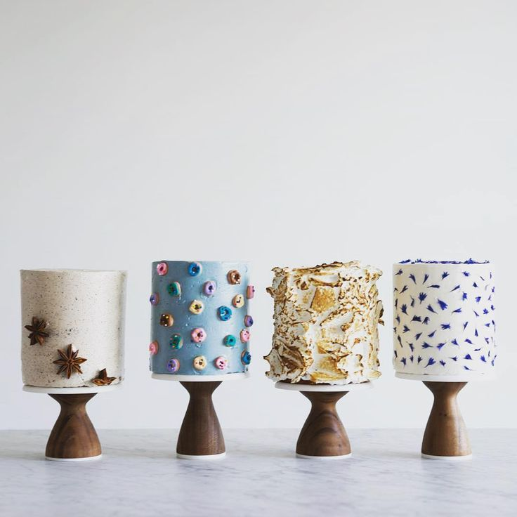 4 pretty cakes and pretty stands | AHeirloom   pc: @cloudykitchen