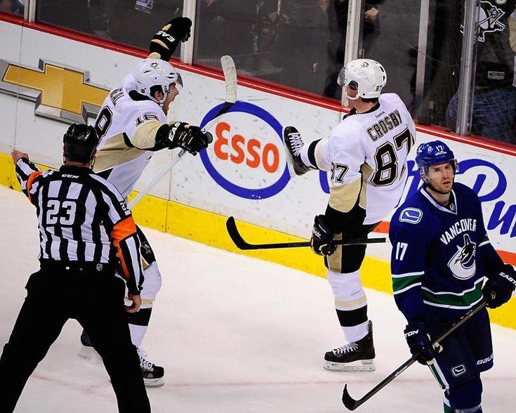 Jan. 7, 2014 — Penguins 5, Canucks 4, SO (Photo: USA Today Sports)