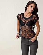Lace Detail Top - Club L - Svart - Toppar - Kläder - NELLY.COM Mode online på nätet $149
