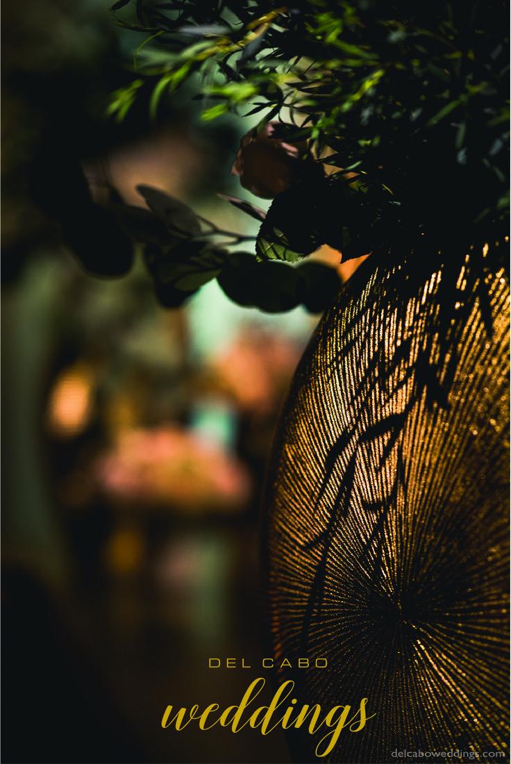 Details! Get the best elegant wedding ideas in our metallic elegance theme board!
