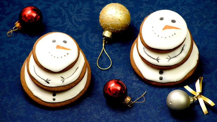 Gingerbread snowmens. Check my recipe for snomens made from gingerbreads.