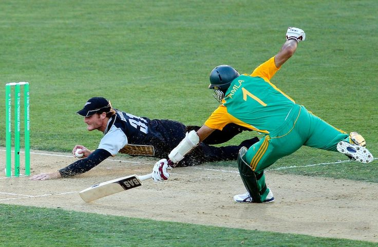 Martin Guptill is clearly one of the best fielders in world cricket at the moment.