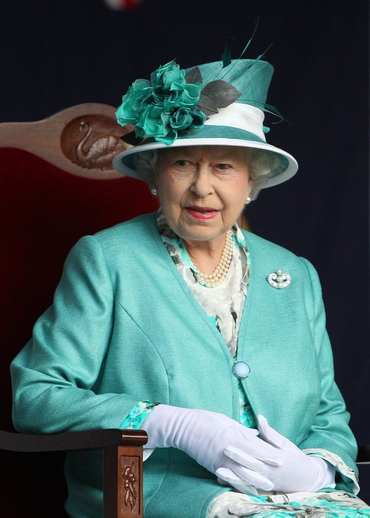 Queen Elizabeth II Photos Photos - Queen Elizabeth II attends a State Reception held at Government House on October 27, 2011 in Perth, Australia. The Queen and Duke of Edinburgh are on a 10-day visit to Australia and will travel to Canberra, Brisbane, and Melbourne before heading to Perth for the Commonwealth Heads of Government meeting. This is the Queen's 16th official visit to Australia. - Queen Elizabeth II And Duke of Edinburgh Visit Australia - Day 9